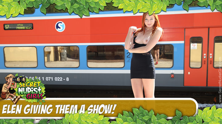 Elen in Giving Them a Show! - Play Video!